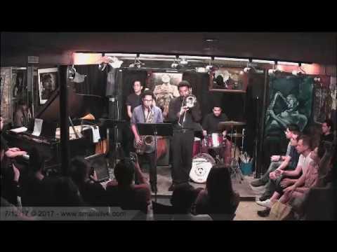 Aaron Burnett and the BIG MACHINE @ SMALLS SET 1 online metal music video by AARON BURNETT & THE BIG MACHINE