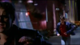 Smallville-Clark Kent-Invisible Man-Power Fight In Action