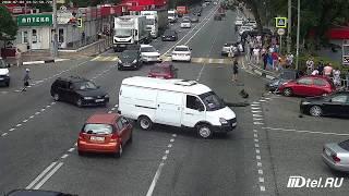 Таксист в Сочи сбил пешеходов на тротуаре. Дагомыс, Батумское шоссе