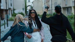 Amy Va Là Bas Feat Lyna Mahyem Amp Lylah Clip Officiel