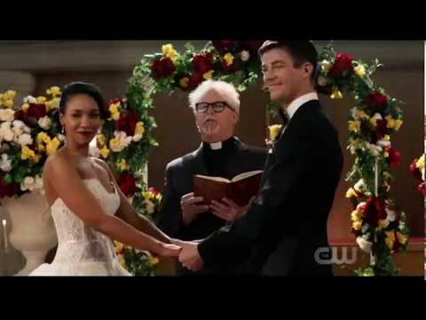 """Crisis on Earth X Episode Part 1 Kara sings """"Running home to you"""" at Barry's wedding!!"""