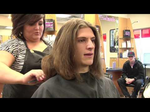 SCSU Hockey Players Cut Their Hair for Locks of Love