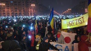 Protest de amploare în Capitală; mii de oameni au mers în marş de la Universitate spre Palatul Parlamentului