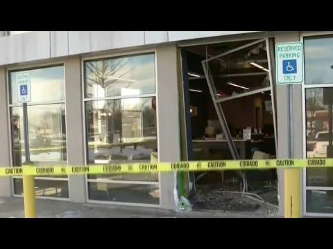Suspected robber crashes SUV into bank in Bloomfield Township