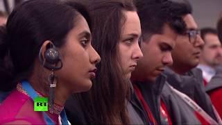 Путин проводит встречу с участниками фестиваля молодёжи и студентов — LIVE