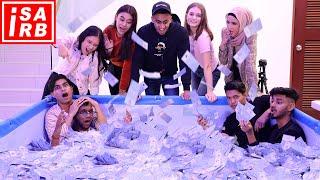 Sape yg last keluar dari kolam duit RM100,000, menang semua duit !