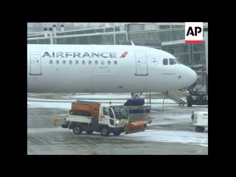 Wintry conditions disrupt air travel in Paris and Berlin