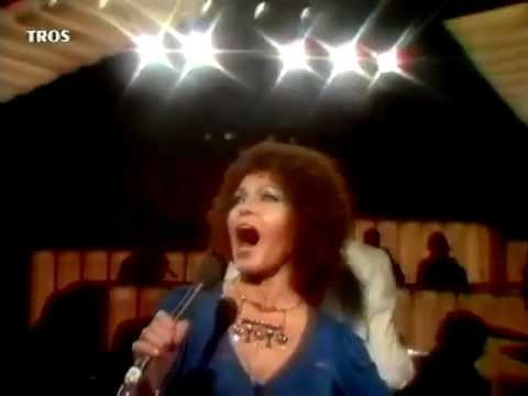 """Cleo Laine sings """"On A Clear Day You Can See Forever"""" (with a G above top C)"""