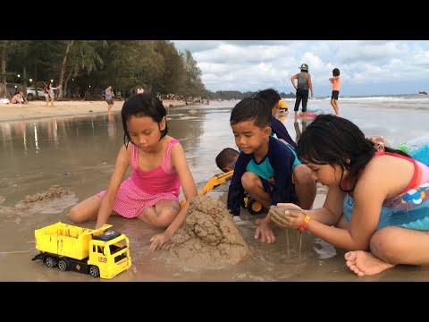 เด็กๆเล่นทราย เล่นน้ำทะเลหาดเจ้าหลาว จันทบุรี   FocusToys