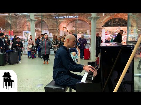 This Concert Pianist Takes His Skills to The Airport