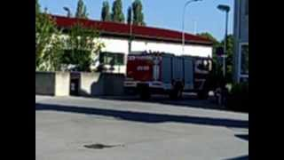 preview picture of video 'Feuerwehr-Ausfahrt Tank 1 Bruck an der Leitha'