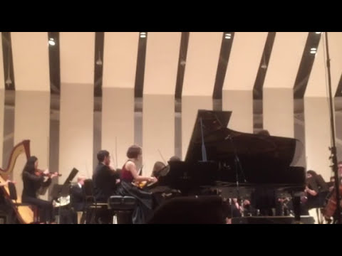 Yinyu performed Ravel G major piano concerto in Tilles Center's Concert Hall, NY.