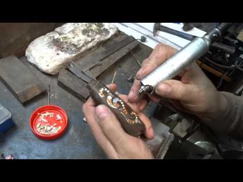 Инкрустация рукояти ножа и её доработка костью, рогом, перламутром, металлом (всечка в дерево).