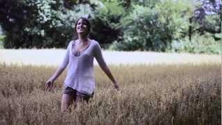 Clara Louise   Alles Was Mir Bleibt (Offical Video)