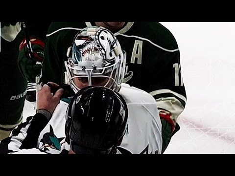 Gotta See It: Jones makes save with the collar of his jersey