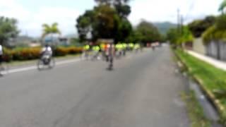 preview picture of video 'TITO TRINIDAD EN LA BICICLETADA EN ARROYO PR A BENEFICIO DEL NIñO JAVIER CARABALLO'