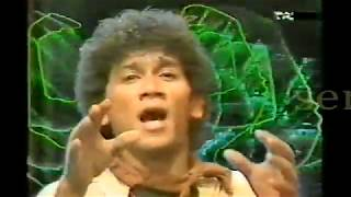 Download lagu Gito Rollies Tragedi Buah Apel Mp3