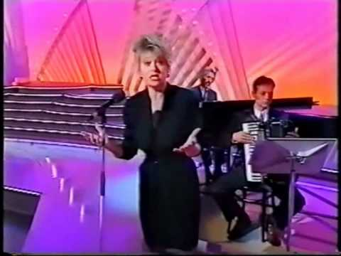 Elaine Paige -If You Love Me (L'Hymne a l'Amour) -1994