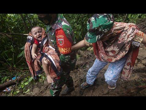Séisme en Indonésie : au moins 10 survivants retrouvés samedi Séisme en Indonésie : au moins 10 survivants retrouvés samedi