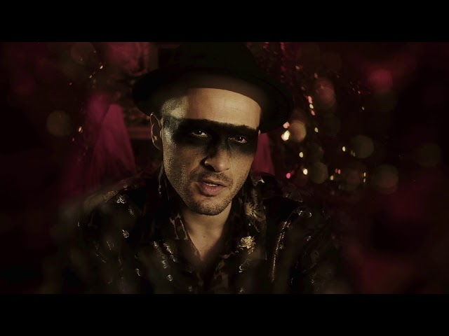 Michael Malarkey – Captain Solitaire