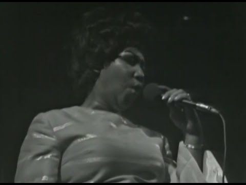 Aretha Franklin - Bridge Over Troubled Water - 3/7/1971 - Fillmore West (Official)