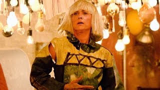 Sia's 'Chandelier' 2015 Grammys Performance With Kristen Wiig's Shocking Cameo