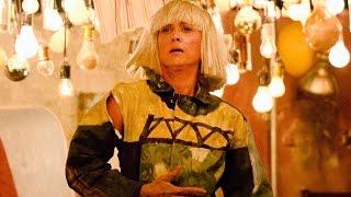 Sia's 'Chandelier' 2015 Grammys Performance With Kristen Wiig's Shocking Cameo