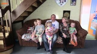 Семья Крапивиных: Они все наши, родные, кровные