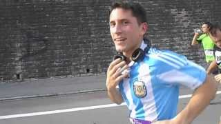 preview picture of video 'Remich Half Marathon: along the Moselle. Team Argentina!'