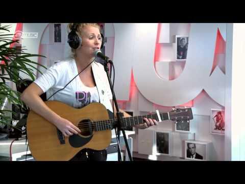 Miss Montreal - 'Tututu' (live bij Mattie & Wietze) // Q-music