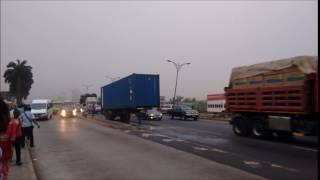 HW1 GH  40 ft Container parked for days without Triangle on Accra N1