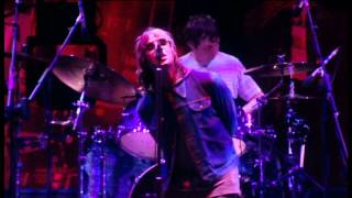 Oasis - Live Forever HD (Live at Wembley Stadium '00, John Lennon Quotes)