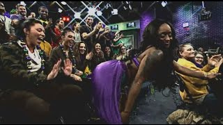Beads & Boas...Springer Mardi Gras (The Jerry Springer Show)