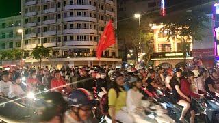 Đường Sài Gòn BÃO ĐÊM sau CHIẾN THẮNG Việt Nam trước UAE   Vòng loại World Cup 2022