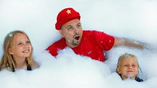 Дети устроили Бардак или Обычное ПРОТИВ Надувного / Видео для детей / Сhildren play with foam