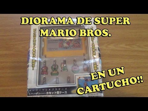Diorama Oficial de Super Mario con llaveros con forma de Cartucho de Famicom | Banpresto 2004