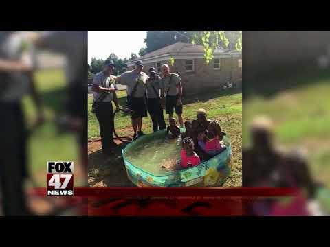 Firefighters helped kids fill pool
