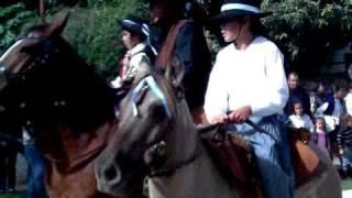 preview picture of video 'Ita Ibate desfile de caballos'