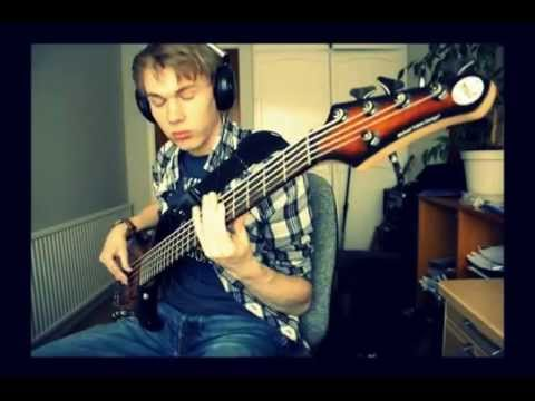 Audioslave - Broken City (bass cover)