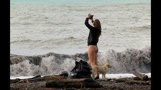 Сочи, шторм, девушка/Sochi, storm, girl