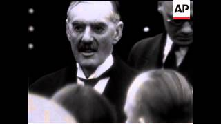 Chamberlain Leaves To See Hitler    (3rd Time)