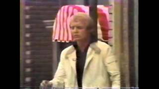 DAVID SOUL ON THE MIKE DOUGLAS SHOW IN 1977