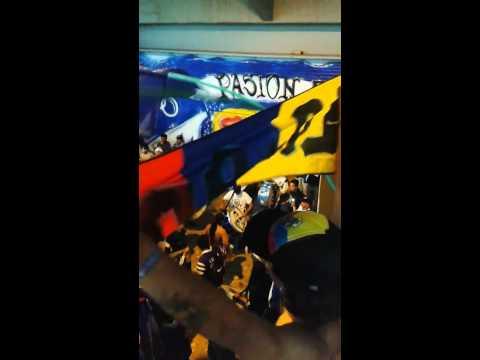 """PREVIA COMANDOS AZULES - MILLONARIOS VS JUNIOR 2014"" Barra: Comandos Azules • Club: Millonarios • País: Colombia"