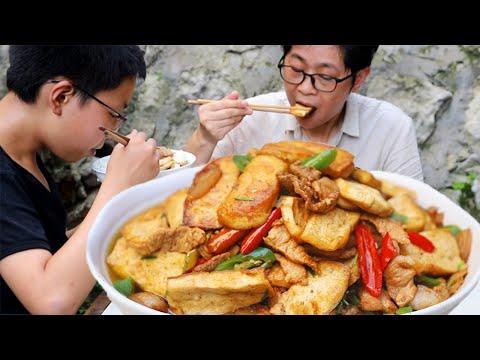九九香煎豆腐炒五花肉,咬一口就爆汁,馋嘴老九不小心又吃撑了!【湘西九九美食】