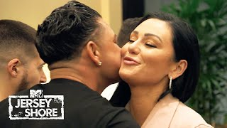 "The roommates want to see Jenni and Pauly hook up. Will it happen on the eve of Angelina's wedding?  #JSFamilyVacation #JerseyShore #MTV  Subscribe to Jersey Shore: https://goo.gl/FtXE1P  All your favorite moments with Snooki, JWoww, Deena, Vinny, DJ Pauly D, Ronnie and The Situation. Also, brand new original series such as ""Cooking in the Crib with Snooki & Joey"" and ""Moms with Attitude"".  FOLLOW Jersey Shore!  Instagram - https://instagram.com/jerseyshore/ Facebook - http://facebook.com/jerseyshoremtv"