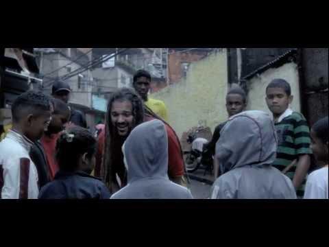 Dominic Balli - Favela (feat. Nengo Vieira) (Official Music Video - Vídeo oficial da música)