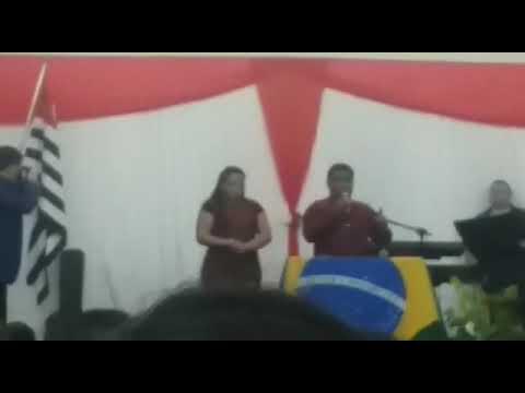 Louvando ..no Evento em Avanhandava..dia do Evangèlico joāo Pedro e Adriana