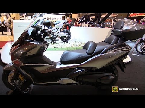 2016 Honda SW T600 ABS Scooter - Walkaround - 2015 Salon de la Moto Paris
