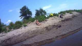preview picture of video 'Turna-żółte i niebieskie kajaki na Liwcu-wakacje2013'