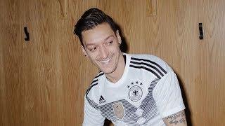 Merasa Dapat Perlakuan Rasialis dari DFB, Mesut Ozil Putuskan Gantung Sepatu dari Timnas Jerman